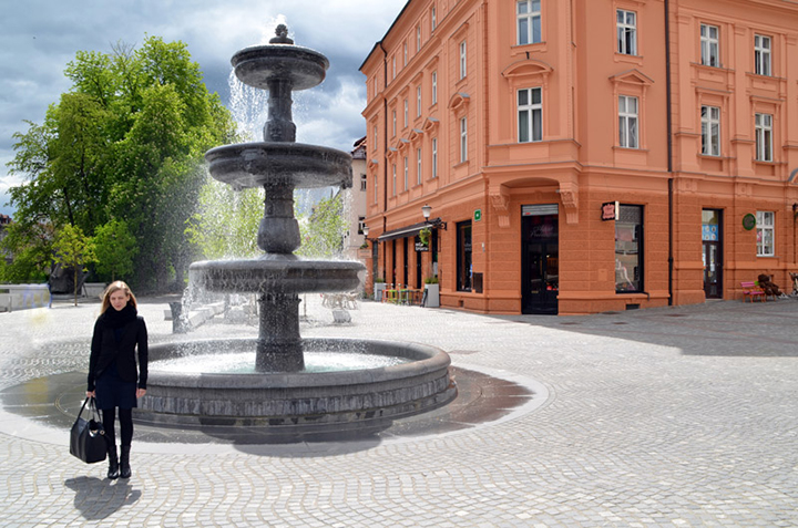 Vodnjak fotografija / Fountain girl